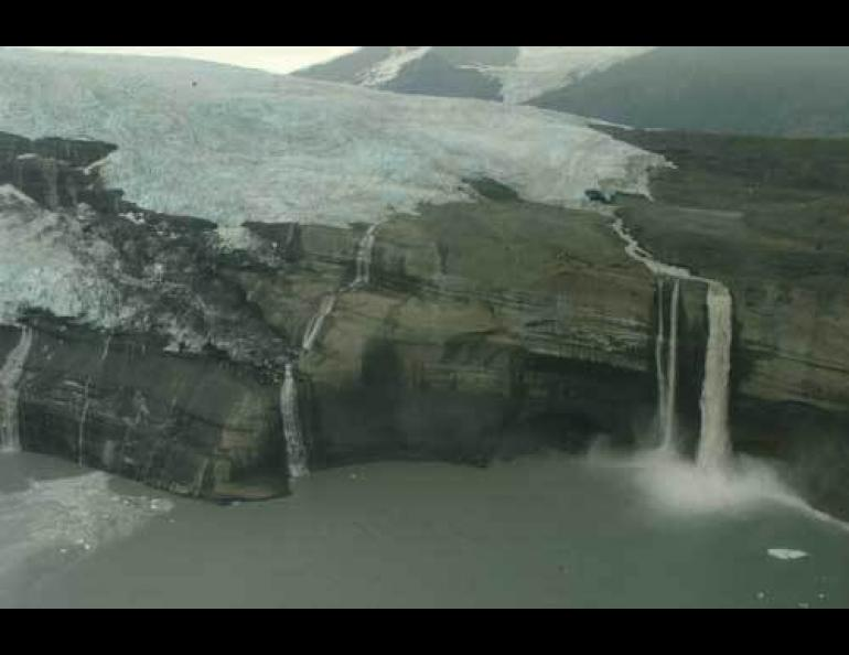 Icy Bay glaciers get up and go   Geophysical Institute